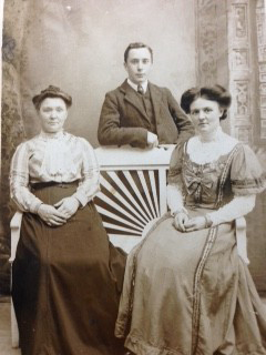 Family photograph from 1914
